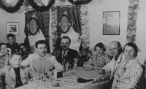 Jewish passengers dining while aboard the MS St Louis